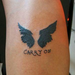 Tatuagem inspirada na série supernatural.