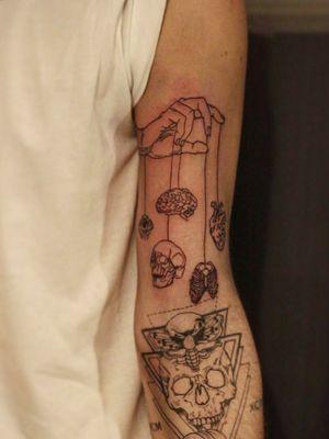 #tattoo #tattooart #lineart #bratislava #slovakia #tattooartist #black #lines #intenzetattooink #blacksumi #dnestetujem