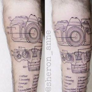#maquinafotografica #cameratattoo #fineline #finelinetattoo #dotworktattoo #sheronanne #braziliantattooartist
