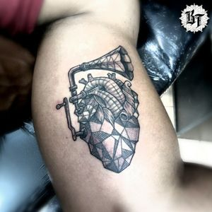#blackworktattoo #tattoocoracao