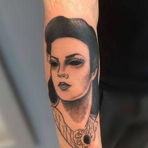 Dark work from an old portrait. #tatouage #blacktattoo #irezumitattoo #irezumi #japanesetattoo #traditionaltattoo #francetattoo #lyontattoo #frenchtattoo #frenchtattooartists #tattoo #bestclientsever #lyon