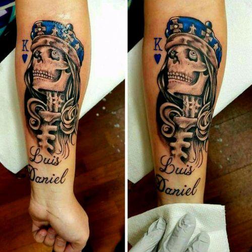 #skulltattoo #tattoodo #topnotch #inkjunkiez #girlytattoos @alaskatattoos