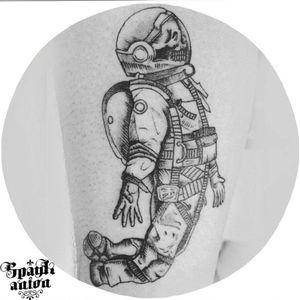 #inked #inkmag #tattoosketch #tattoodesign #drawing #sketchtattoo #linetattoo #lineworktattoo #contemporaryart #contemporarytattoo #tattoodo #txttoo #tttism #tatrrx #blxckink #blackworkers #blacklinetattoo #tattoomag #inkedmag #worldfamousink #ezpen #astronaut #astronauttattoo