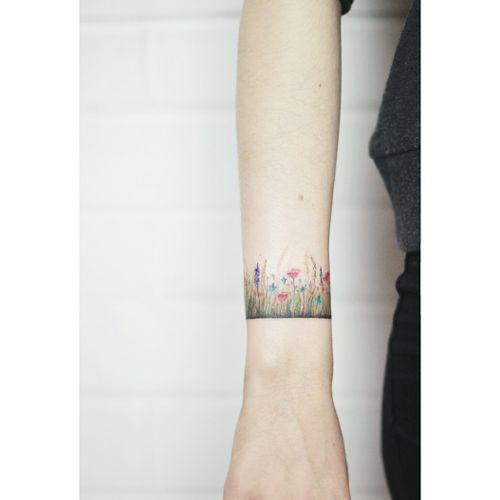 By #LenaFedchenko #bracelet #flowers #floral #botanical
