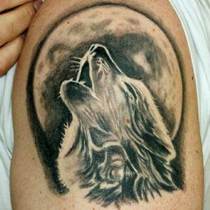 #wolf #wolftattoo #moon