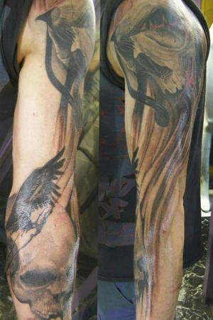 #tattooink #tattooinprogress #tattooskull #tattooraven
