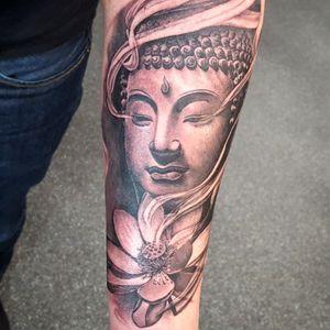 Buddha black and gray with lotus Smokey eyes realistic style 👉@alexandrerodrigues_t2 #alexandrerodrigues_t2 #buddha #buda #realism #realistic #lotus #smoke #blackandgrey #tattoooftheday
