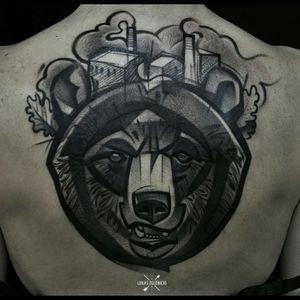 Bear! #Beartattoos #bear #blackandgreytattoo #graphictattoos #sketchstyle #darkartists