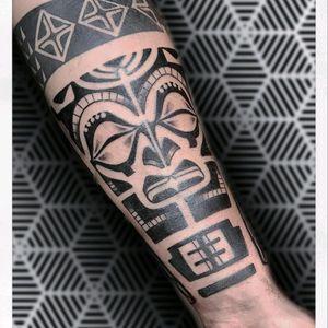 INSTAGRAM - Ths_sym_tattoo  #thesymtattoo #tribal #tribaltattoo #blacktattoo #tribaltattooers #tattooitalia