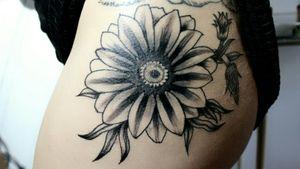 #flowertattoo #flowertattoodesigns #flower #blackworktattoo #blackandgrey #blackandgreytattoo #blackwork