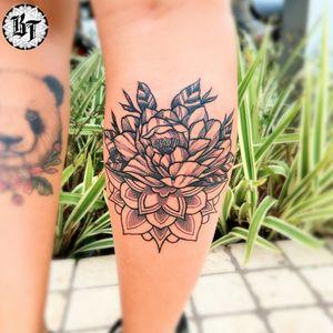 #blackworktattoo #tattoofloral #tattoomandala