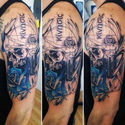 "Tatuaje conceptual: ""Kinesiología"" por J. Pablo Molina #MolinaTattoo #physiotherapy #anatomy #skull #davinci #kinesis #vitruvianman #rosa #rose #vitruvio"