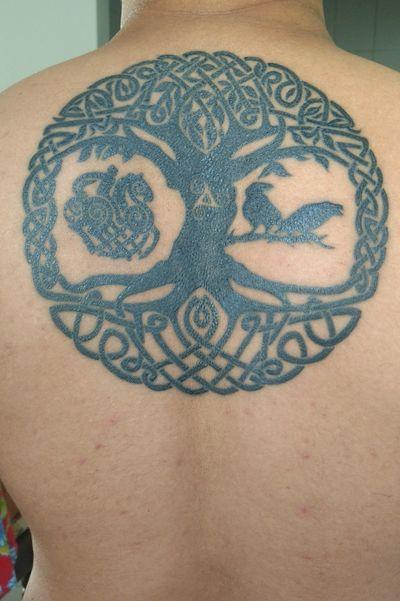 Arte final! #yggdrasil #hugginmunnin #viking