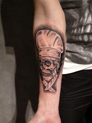 Chef tattooskull😉 #skulltattoo #skull #chefknife #ChefTattoo #KGINK #blackandgrey