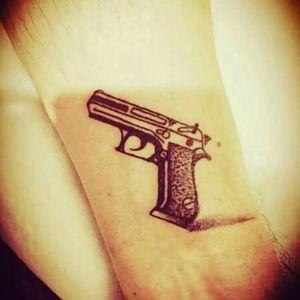 #pistol#simpletattoo#onlylines