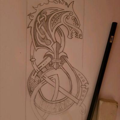 Le #loup #Fenrir et #Lys #viking #wolf modifié d'après une sculpture en bois vue sur internet.