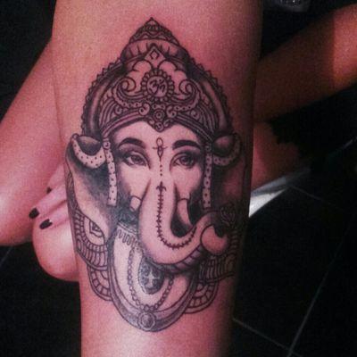 4 hour work / trabajo de 4 horas! - Ganesha #tattooart #tattooartist #ganeshtattoo #ganesha #inkedgirl #inked #ink #tattooargentina