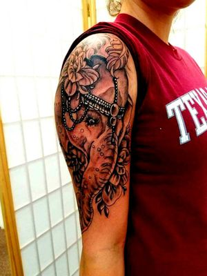 #elephanttattoo #girlttatyoos #tattoodo #alaskatattoos @alaskatattoos @AndrewTatCarlson