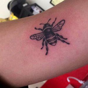 #bee #beetattoo #abelha