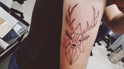 #deer #deertattoo #geometry #geometric #geometrictattoo #venado #ciervo