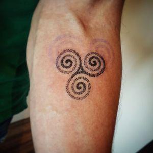 #blackworktattoo #maoristyle #sptattoo #tattoo #brasiltattoo #marcosavetattoo #tattoodo #customtattoo #Otheser #sacredgeometry #linework #dotwork #blacktattoo