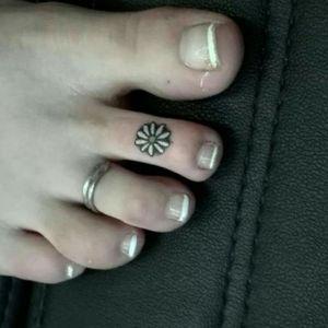 #tooh #feet #tattoo #tattoos #tattooedmann #followme #follower #follow #followforfollow #artist #dreamtattoo #mindblowing #tattoo #tattooedgirl #tattooartist #beautifulink #instatattoo #black#cheyene #germantattooers#solingen #germantattooers#frau #cheyenehawk #eternal#dreamtattoo #eternal #germantattooers #cheyennetattooequipment