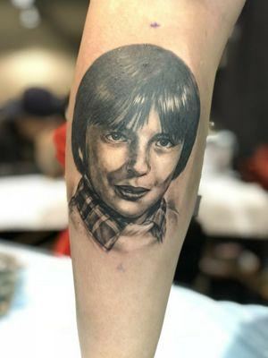 #tattoo #tattooandartsfestival2017 #calgarytattooconvention2017 #AKTuanVo #calgaryconvention2017 #drawing #tattooing #realismtattoo #yegtattoo #edmontontattooartist #tattooartist #portrait #tattooportrait #realistictattoo #realisim #blackgreytattoo #allaprimaink #cheyennehawkpen #cheyennecartridges