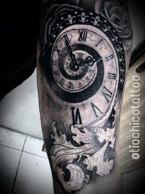 #clock #relogio #tiochicotattoo #saopaulo #santoandre #sciencetattoo