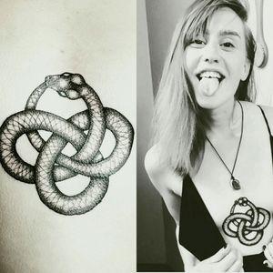 Eternal Snake Coil for Charlotte! 🐍♺ #tattoo #oslo #norway #werkentattoostudio @andre_werken_tattoo