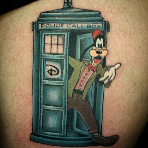 @jimmyjamesjimbo_eftc @electricflamingotattoo #thesolidink #tattoos #tattoolife #tattoo #coopercitytattoo #coopercity #weston #westontattoo #daviefl #davietattoos #tatuajes #pembrokepines #pembrokepinestattoos #hollywood #hollywoodtattoos  #besttattoos #disney #disneytattoo #goofy
