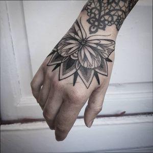 #butterfly #dotstolines #dotwork #tattoos #Black #geometry #geometric #fineline #fineart #blacktattoo