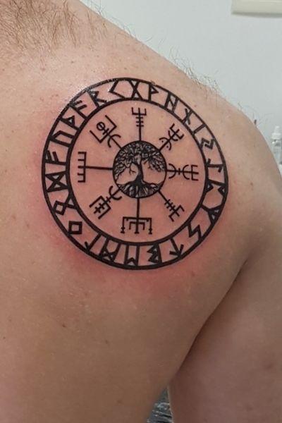 #viking #Runes #vigsvir #treeoflife