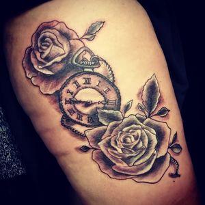 #pocketwatch #pocketwatchtattoo #pocketwatchtattoos #pocketwatchandroses #rosesandpocketwatch #blackandgreytattoo #chain #chaintattoo #time #bristol #bristolartist #tattooist #femaletattooartist#ukartist #staplehill #carlanorley