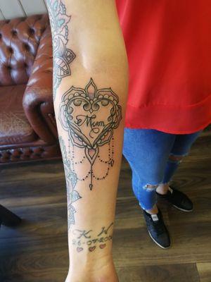 #mandalatattoo #mandalas#mandala #mum #heart #chandelier #rework #dotworktattoo #dotwork #chandelier#chandeliertattoo #tattoolife #tattoos #tattooartist#bristol #bristolartist #bristoltattooist #bristol#staplehill #tattoolife #tattoos #carlanorley
