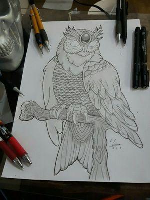 Desenho criado por mim para minha próxima tattoo, coruja no estilo Neo tradicional em preto e cinza #desenhos #drawings #designs #tattoodesigns #art #neotraditional #blackandgrey #owltattoo