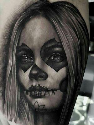 🚨 Catrina 🚨 Feito na temporada em Geneve - Suiça .. studio Crazy geneva ink tattoo.