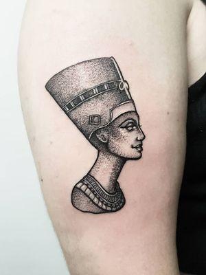 #nefertiti 🖤 #tattoo#tattoos#tattooed#tattooers#blackwork#blackink#blackworkers#blackworkers_tattoo#ldnttt#london#ink#londontattoos#uktattooers#blacktattoos#blackandgrey#blackandgreytattoos#realistictattoo#blackandgreytattoos#microtattoos