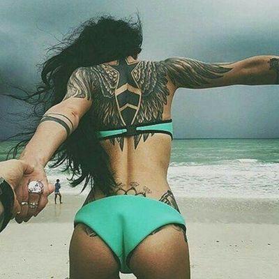 Oh my... I love her back! 💘 Credit to instagram : @inkgrams #wings #wingstattoo #blackandgrey #blackandgreytattoo #Star #back #backtattoo