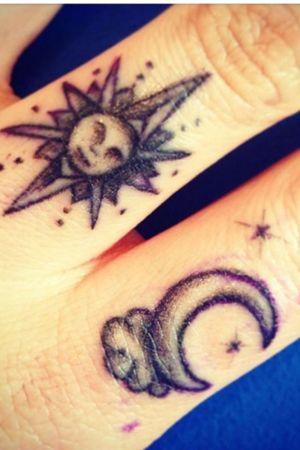 #suntattoo #moontattoo #sunandmoontattoo #artsy #cutetattoo #fingertattoo #smalltattoo