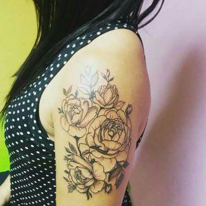 #flowertattoo #tattoobr #tattorj #tattooartist #tattooart