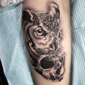 Owl and skull #owltattoo #owl #skull #blackandgray #singapore #singaporetattoo