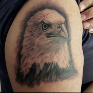 Eagle #realismtattoo #eagletattoo #tattooartist #tattoolove #followtattooartist #follow #like4like #liketattoo #likeforfollow #followforfollow #Tattoodo
