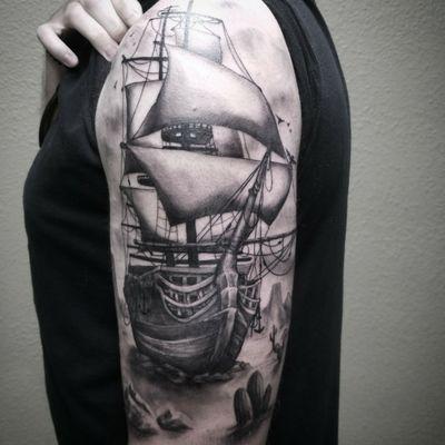 Super fun ship - #tattoo #ship #shiptattoo #boat #boattattoo #pirateship #realistic #realistictattoo #realism #3dtattoo #desert #blackandgrey #greywash #ocean #ink #newtattoo #besttattoo #inked
