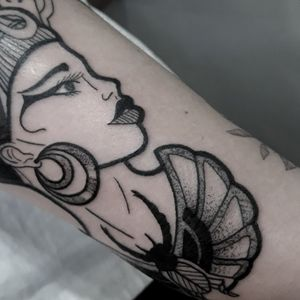 NEFERTITE❤ #neferfite#deusa#beauty#love#tattoo#tattooer#tattooedgirls#bold#boldline#old#oldiscool#oldschool#oldschooltattoo