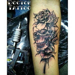 #skulltatoo #tattooskull #skulltattoos #tatuadoresbrasileiros #lovetattoos#ilovetattoo#tatuagem #lovetattoobrasil #artisttattoo #tattooart