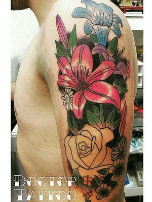 #flowerstattoo #flowerstattoos#tatuagens #tatuadoresbrasileiros #tattooartistmagazine #tattooartist #inkedtattoo #tatuagemcolorida #tattoodesign