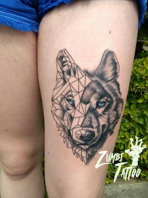#TattooGirl #tattooblackwork #tattoowolf #tattoofeminina #tattoolobo #tattoogeometric #tattoogeometrica