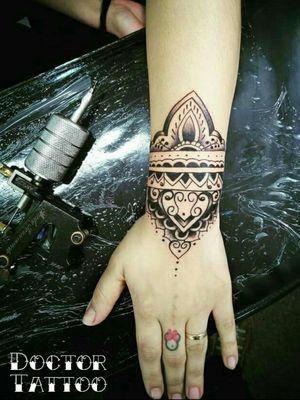 #tattoohand #tattoohands#handtattoo#tatuagemfeminina#tattoo#tattooartist#lovetattoos#ilovetattoo#tatuadoresbrasileiros