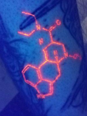 #blacklight #blacklightink #lsd #molecularstructure