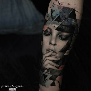 Incredibile work. Really in love with this one. by Thomas Carli jarlier . . . . . #portriat #portraittattoo #womanportrait #sexy #woman #realistictatto #realistic #eyes #eyeshadow #lips